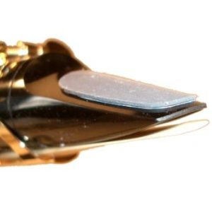BG Szaxofon FOGVÉDŐ 0,8 mm, közepes, fekete, nagy, 200,-Ft/db